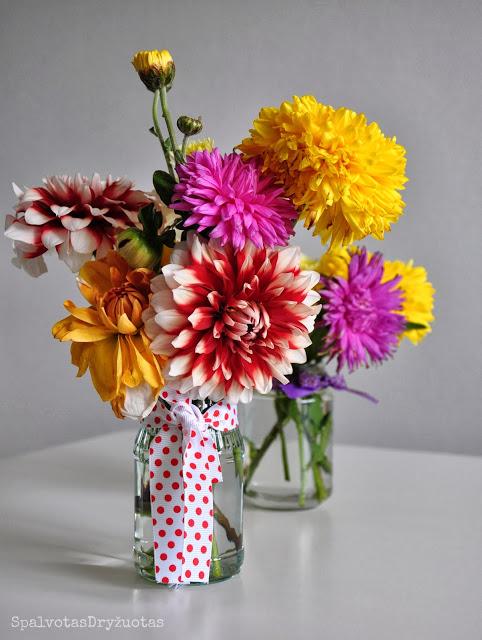 Pakabinamas stiklainėlis gėlėms - pasidaryk pats