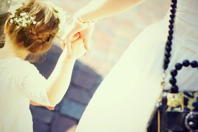 Krikšto suknelės mergaitėms - mada ir stilius