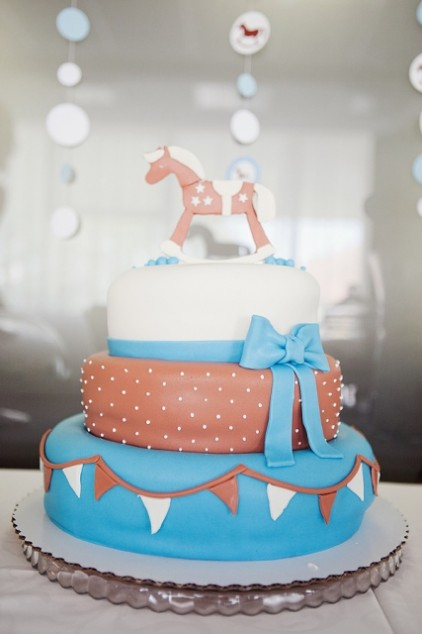 Krikštynų tortas - žydrai rudas su arkliuku