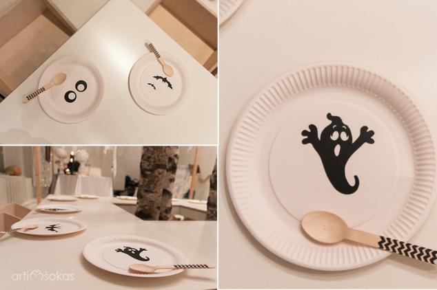 Popierinės vienkartinės baltos lėkštės su helovino dekoracijomis