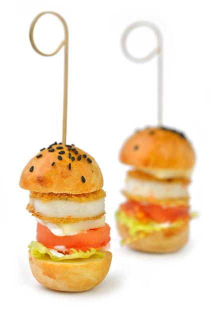 Mini hamburgeriai šventiniam stalui