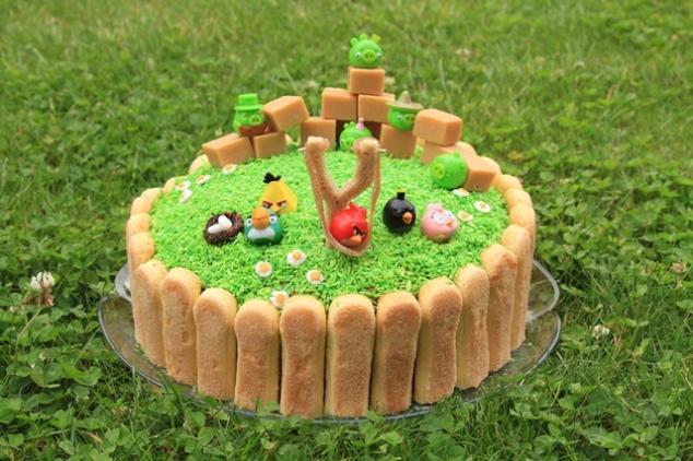 Angry Birds tortas su biskvitiniais sausainiais
