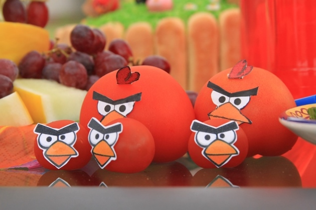 Angry Birds dekoracijos - paukščiukai iš pomidoro