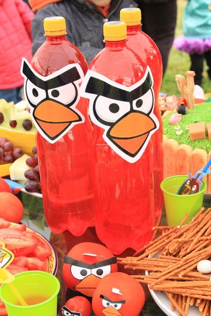 Pikti paukščiai - dekoracijos gėrimų buteliukams