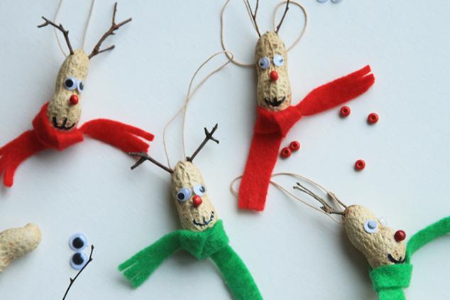 Kalėdiniai elniukai iš riešuto - pasidaryk pats