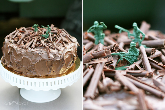 Gimtadienio tortas su kareivėliais