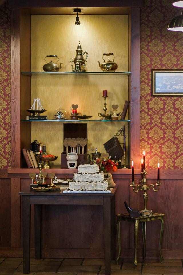 Saldus stalas šokolado tema vestuvėse