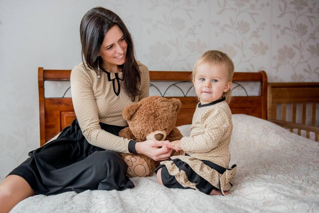 Šventinė apranga mergaitei ir mamytei
