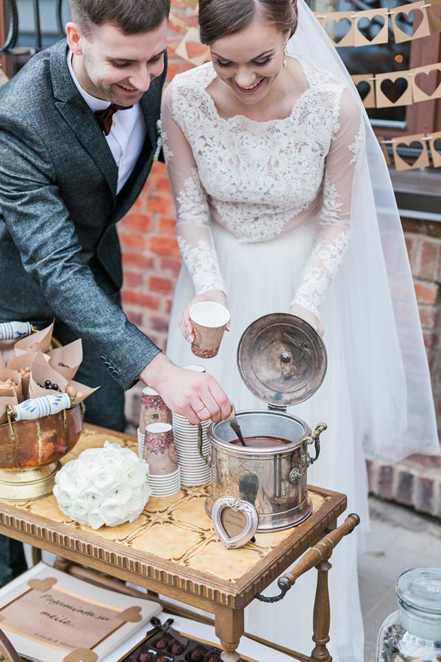 Šokoladinės vestuvės - fotosesijos kampelis