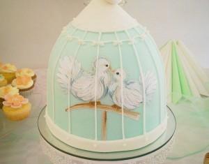 Tortologija – visa tiesa apie lietuvės kuriamą tortų meną