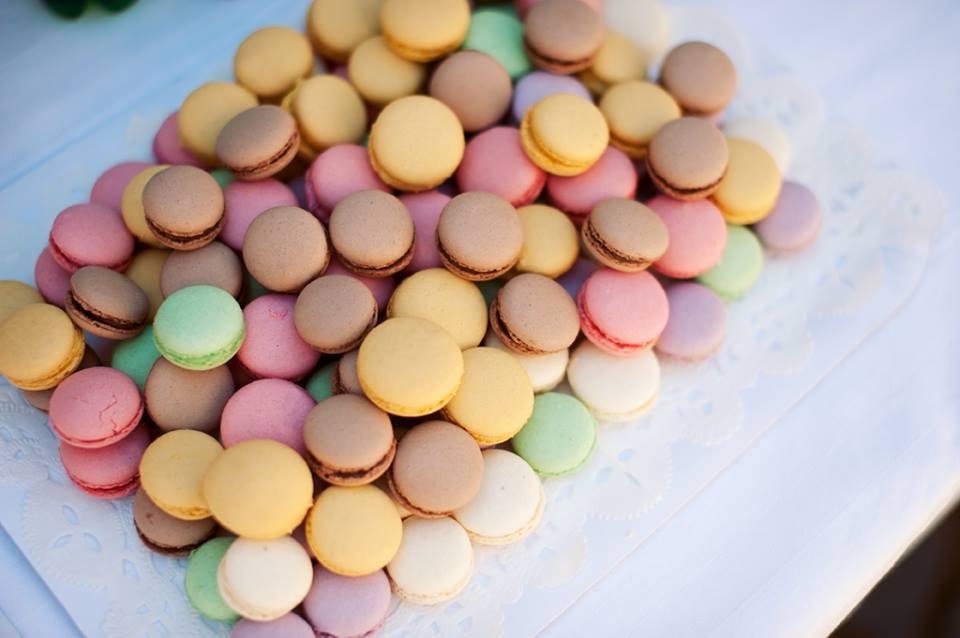 Macarons - pastelinių spalvų macaronsai