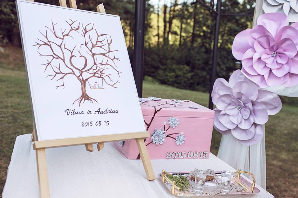 Palinkėjimų, pirštų antspaudų medis, svečių knyga