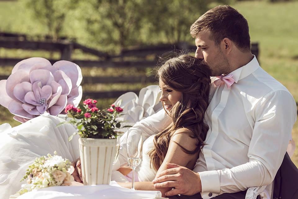 Vestuvės ir popierinės gėlės