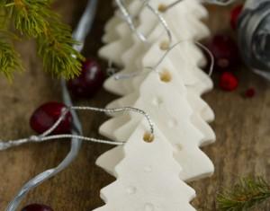 Rankų darbo Kalėdų eglutės dekoracijos