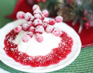 Kalėdinis desertas – panna cotta su spanguolėmis