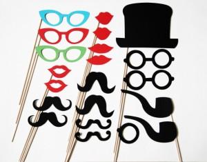 Ūsai, lūpos, akiniai ir kt. ant pagaliuko
