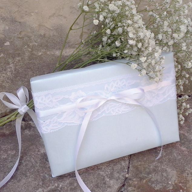 Vestuvių dovanų pakavimas