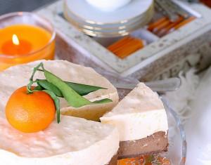 Šokoladinis sūrio pyragas su apelsinais ir mandarininiais maskarponės putėsiais