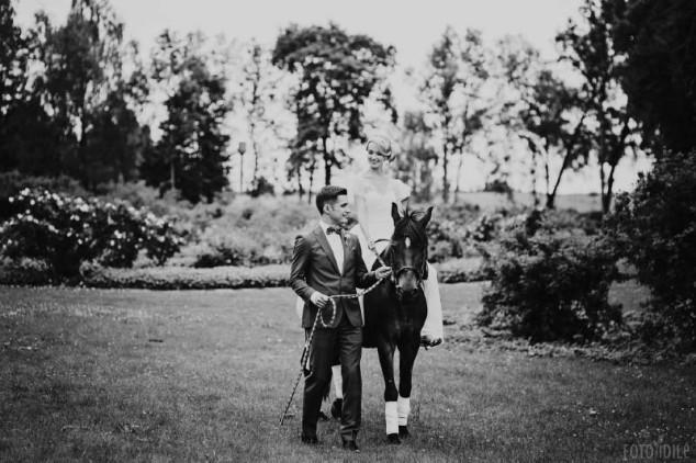 Vestuvės - fotosesija su žirgais