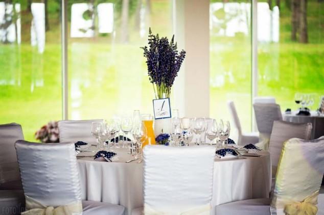 Vestuvių dekoras - stalų puošimas