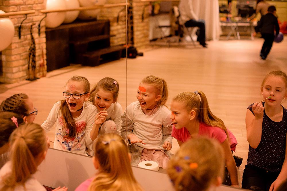 Mergaičių gimtadieniai ENSO