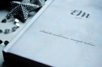 Darbo knyga su gyvenimo credo, vardo inicialais