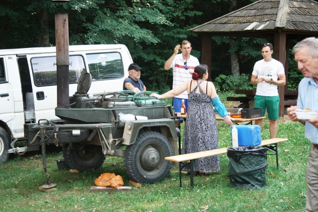 Kareiviška košė, plovas - išvažiuojamas maistas