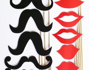 Ūsai, lūpos ir kiti atributai linksmai jūsų fotosesijai