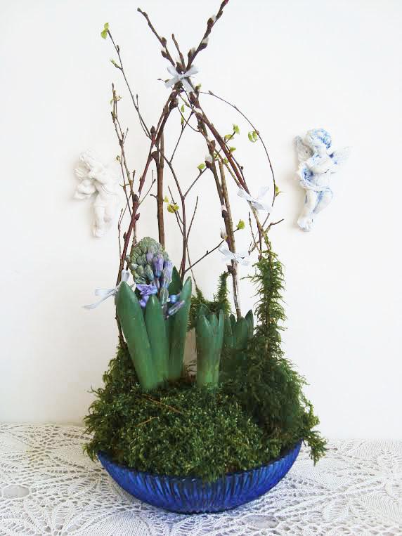 Velykų floristinė kompozicija papuošimai, hiacintas