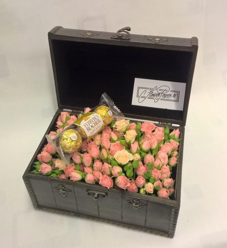 Dovana jai - Valentino diena - gėlės dėžutėje