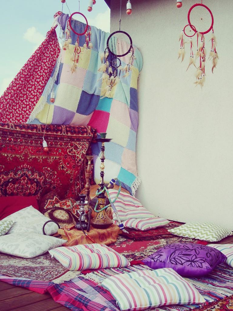 Gimtadienio dekoracijos, papuošimai lauke, pagalvėlės, kilimėliai, sapnų gaudyklės - hipių tema