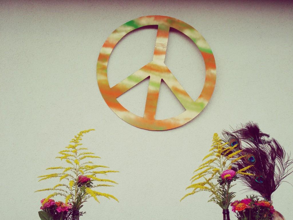 Taikos simbolis, hipiškas suaugusių gimtadienis