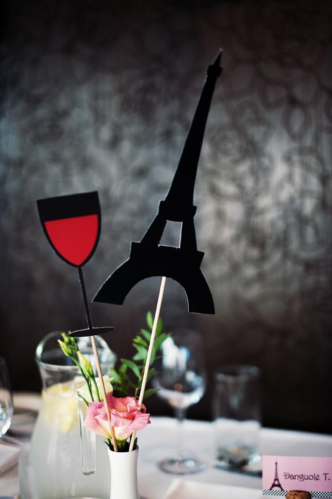 Prancūzijos teminiai fotosesijos atributai ant pagaliuko
