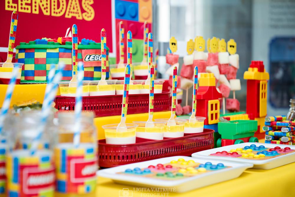 LEGO gimtadienis - saldusis stalas