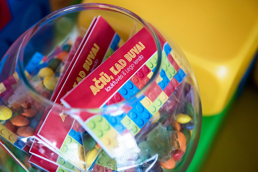 Dovanėlės, lauktuvės su etiketėmis svečiams - Lego spauda