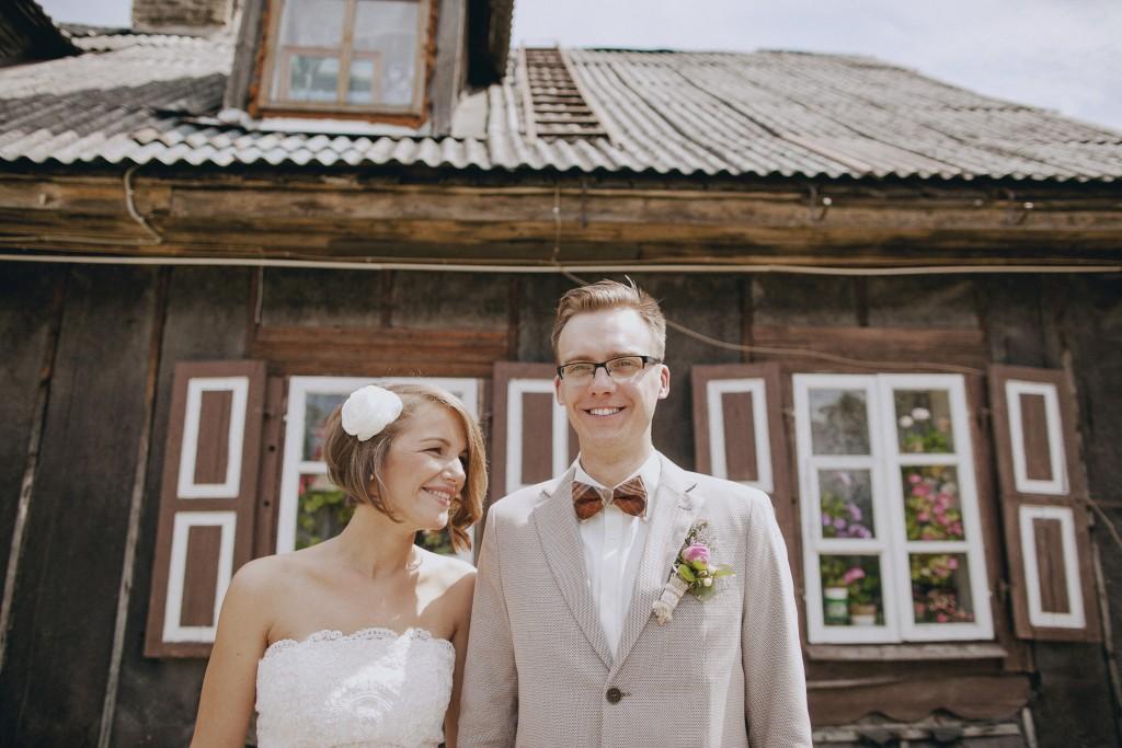 Vestuvių fotosesija kaime