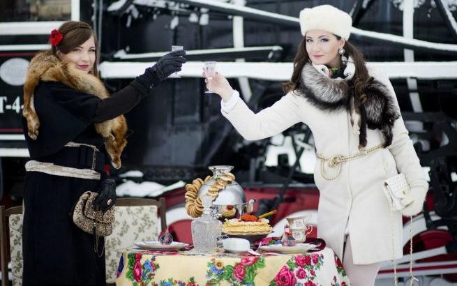 Stilizuota slaviškos tematikos Užgavėnių fotosesija