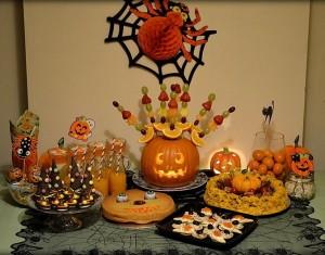 Helovyno vaišių stalas