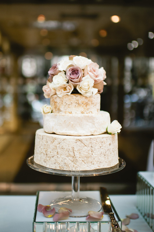 Vestuvinis sūrių tortas