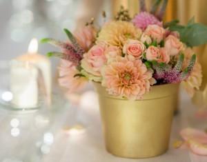 Rūtos ir Kęsto romantiškos vestuvės su aukso spalvos motyvais