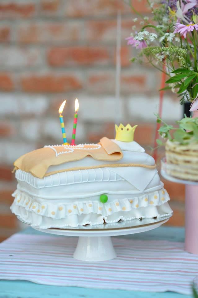 Tortas mergaitei - princesė ant žirnio