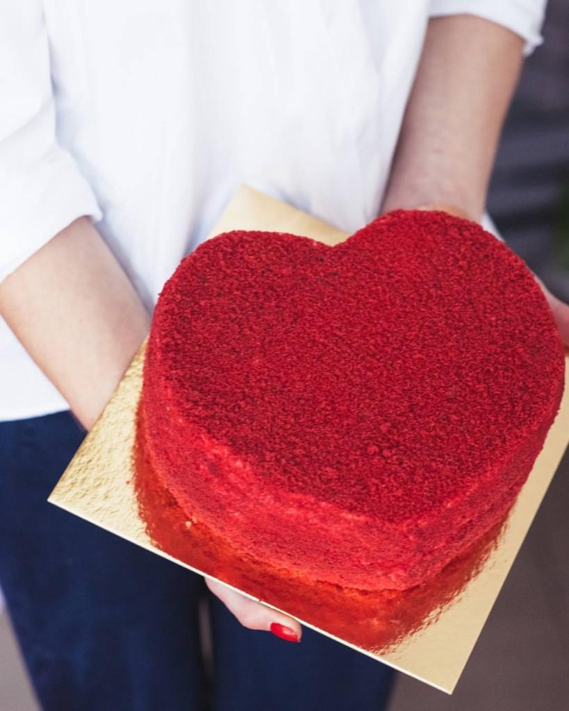 Vapentino dienos dovana - tortas širdelės formos