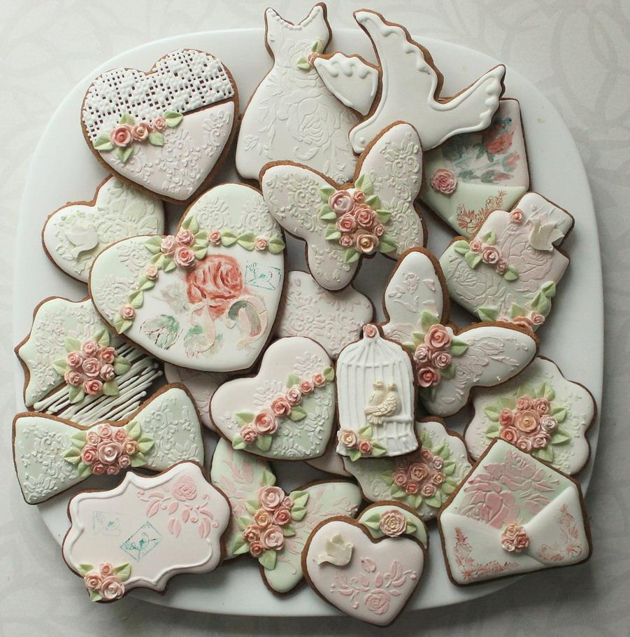 Dekoruoti piešti sausainiai